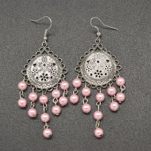 Light pink hanging bead earrings