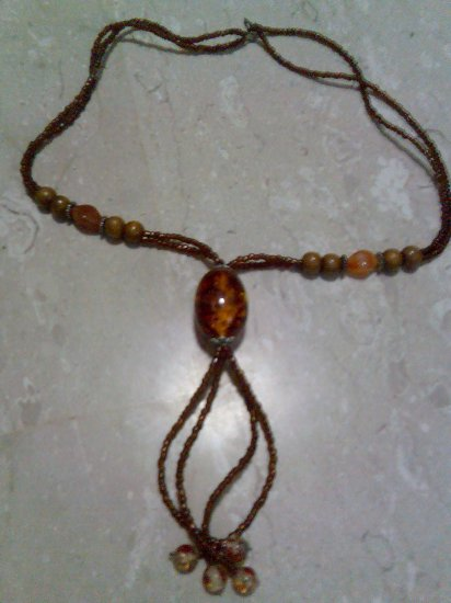 Long-beaded Necklace