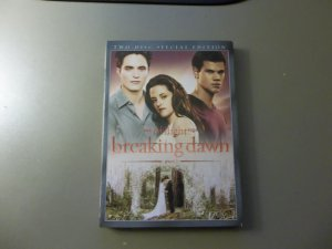 THE TWILIGHT SAGA BREAKING DAWN PART 1 TWO-DISC SPECIAL EDITION