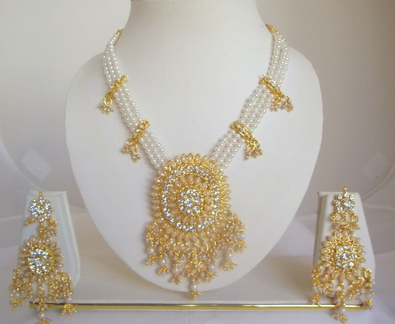 Oval Faux Pearl Rhinestone Necklace Earring Set