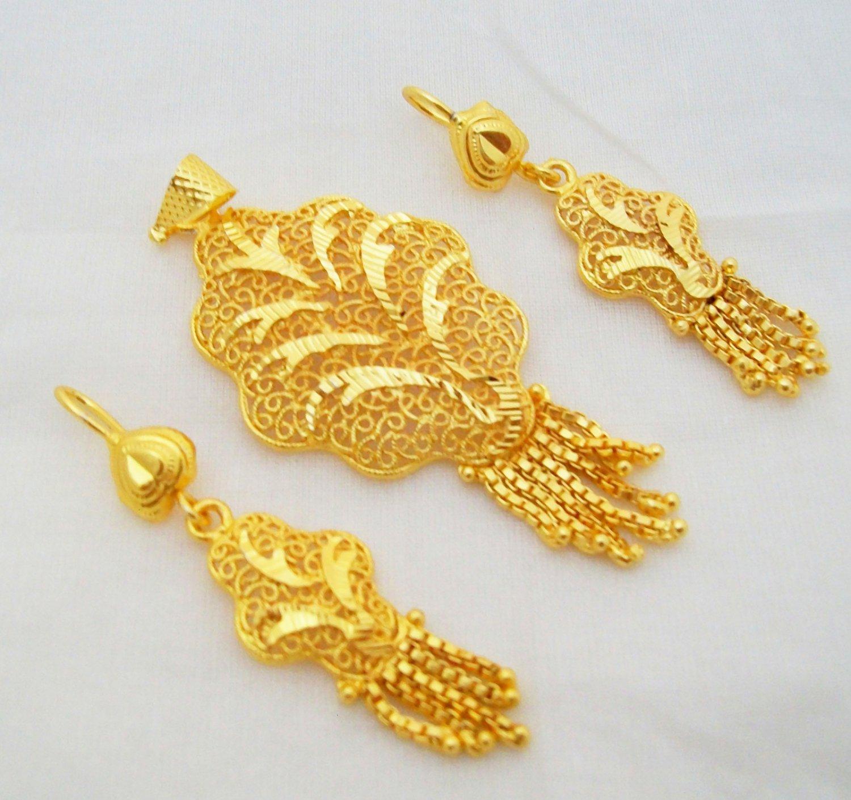 Handmade Filigree Gold Plated Pendant Earring Set