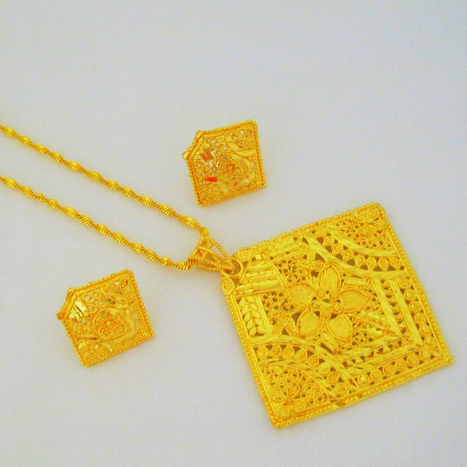 Fancy Square Gold Plated Filigree Chain Pendant Necklace Indian Jewellery Set