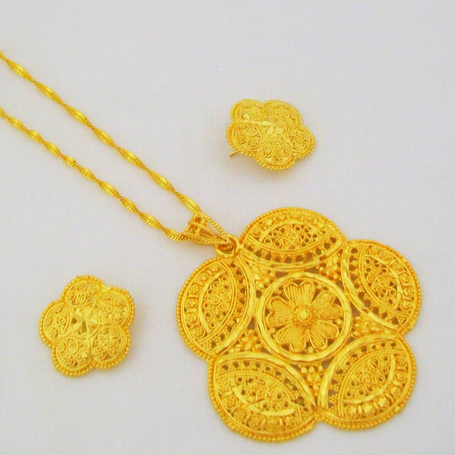 Circle Gold Plated Filigree Chain Pendant Necklace Indian Jewellery Set