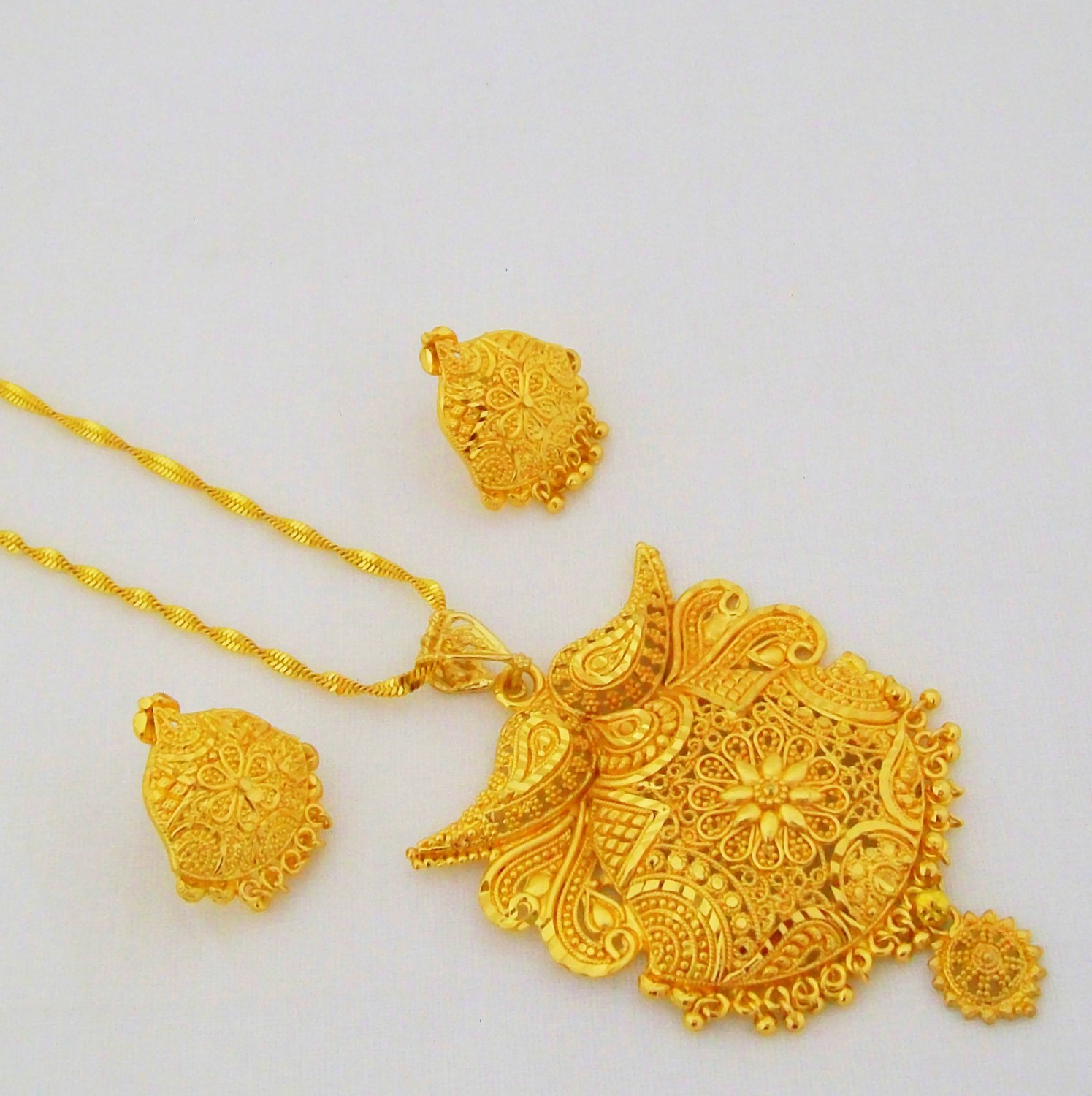 Gold Plated Filigree Chain Pendant Necklace Indian Fashion Costume Jewellery Set