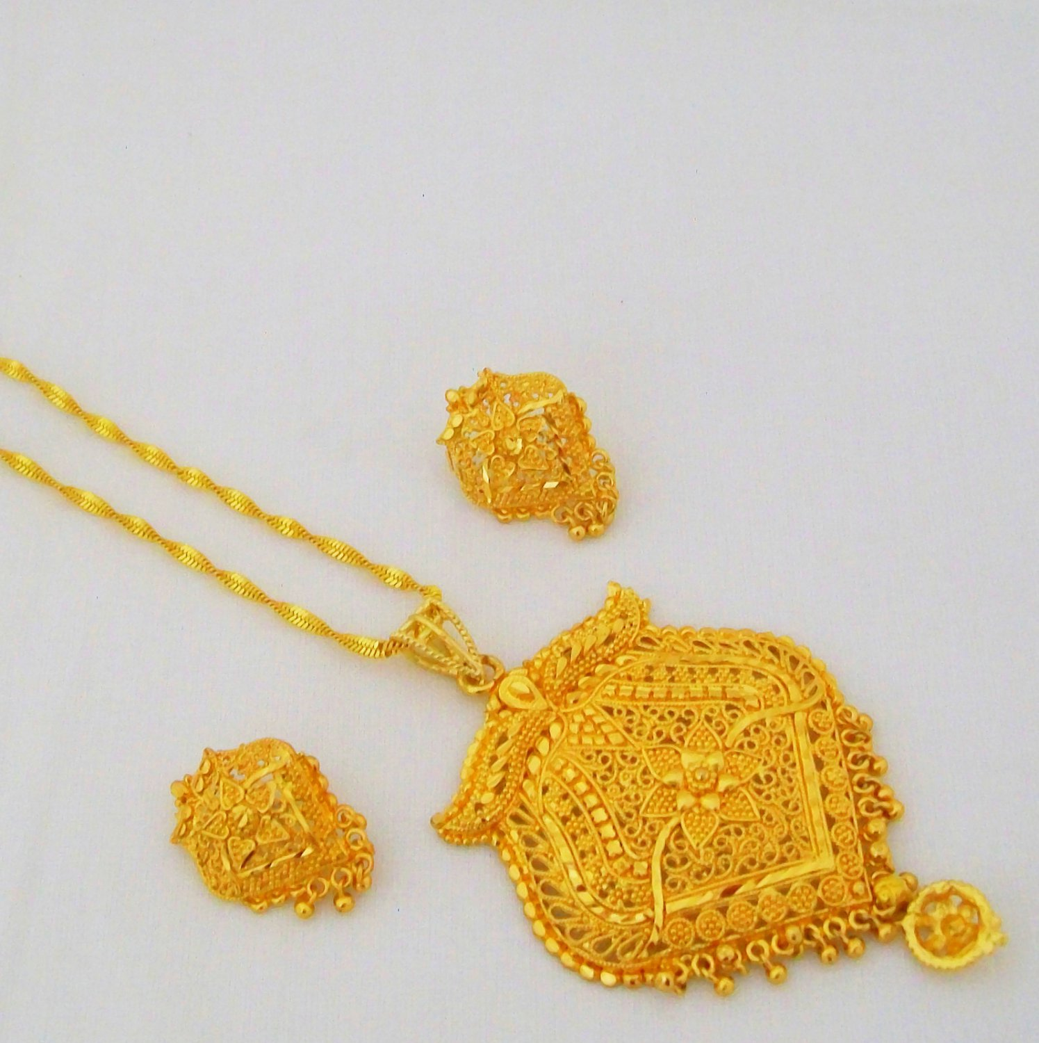 Gold Plated Filigree Cut Work Chain Pendant Necklace Indian Ethnic Jewellery Set