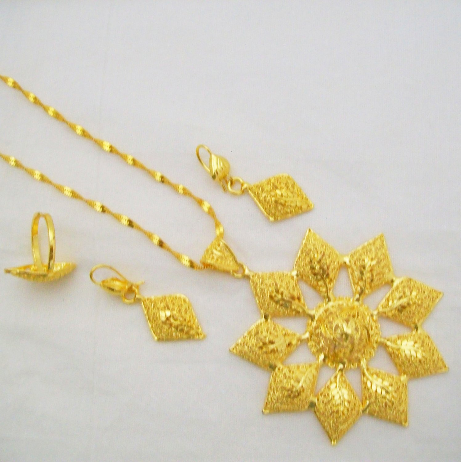 Edwardian Filigree Gold Plated Chain Pendant Necklace Indian Jewelry Set