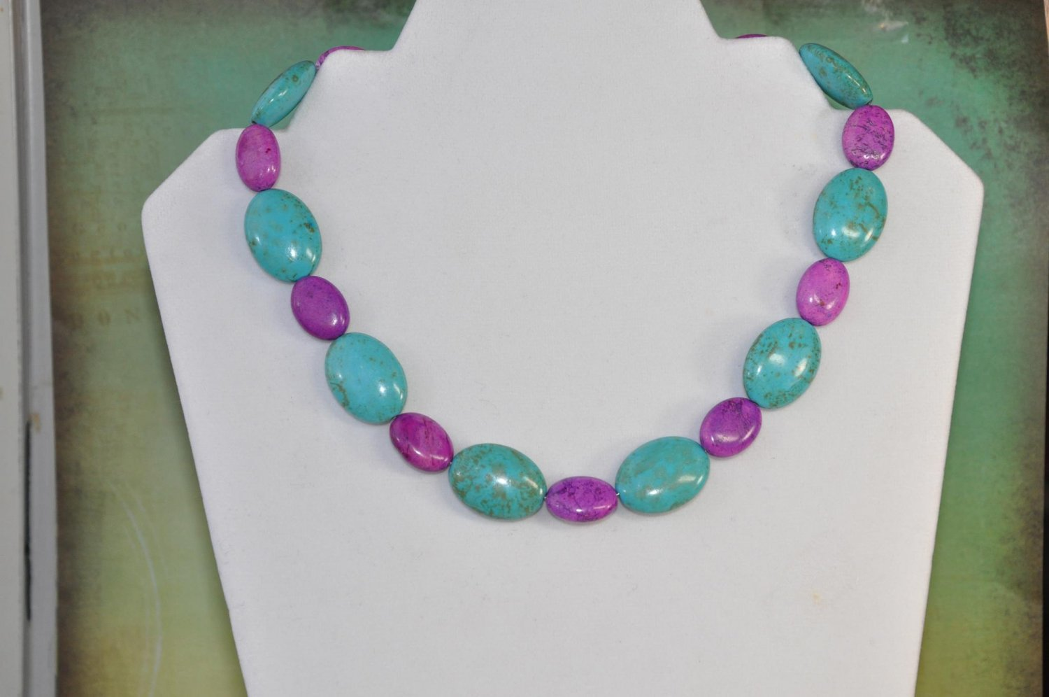 Natural Oval Purple Turquoise Stone Bead Necklace