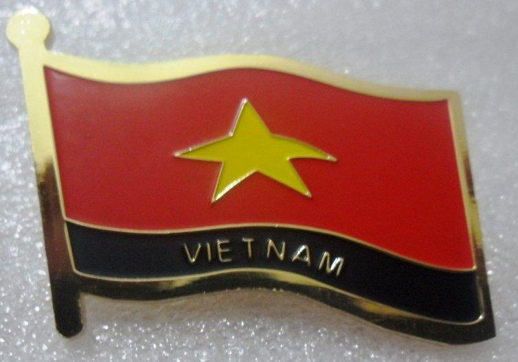 VIETNAM Metal Brass Alloy Lapel Pin Country Flag Logo Soft Enamel Emblem Badge Button