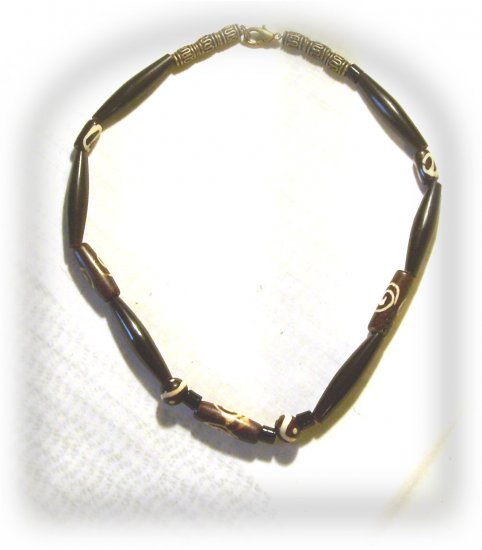 Brown and Black Wood Necklace N6300023
