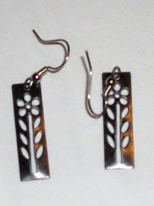 Square earrings with flower cutouts
