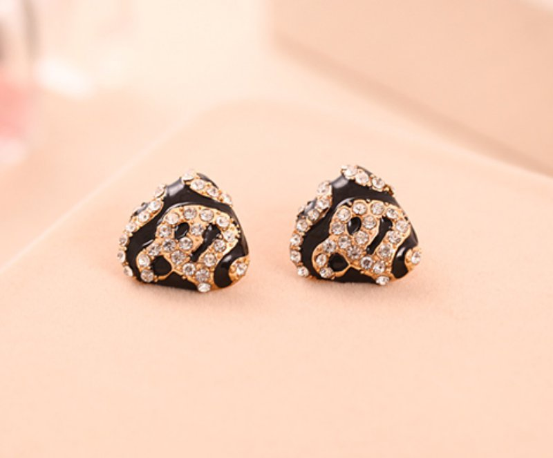 Korean version of the triangle with diamond earrings shiny leopard