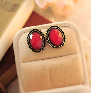 Phnom Penh retro round crystal gemstone earrings