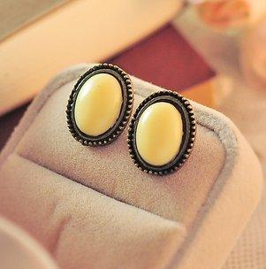 Phnom Penh retro round crystal gemstone earrings yellow