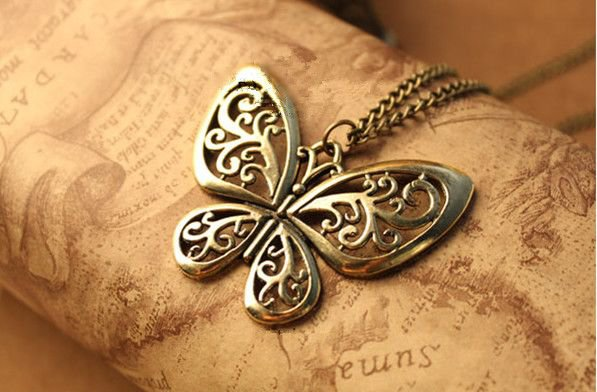 European and American trade of the original single jewelry retro heavy hollow butterfly necklace