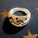 Size 8.5 White Plastic Squiggle Ring