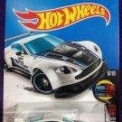 2016 Hot Wheels #61 Aston Martin Vantage GT3