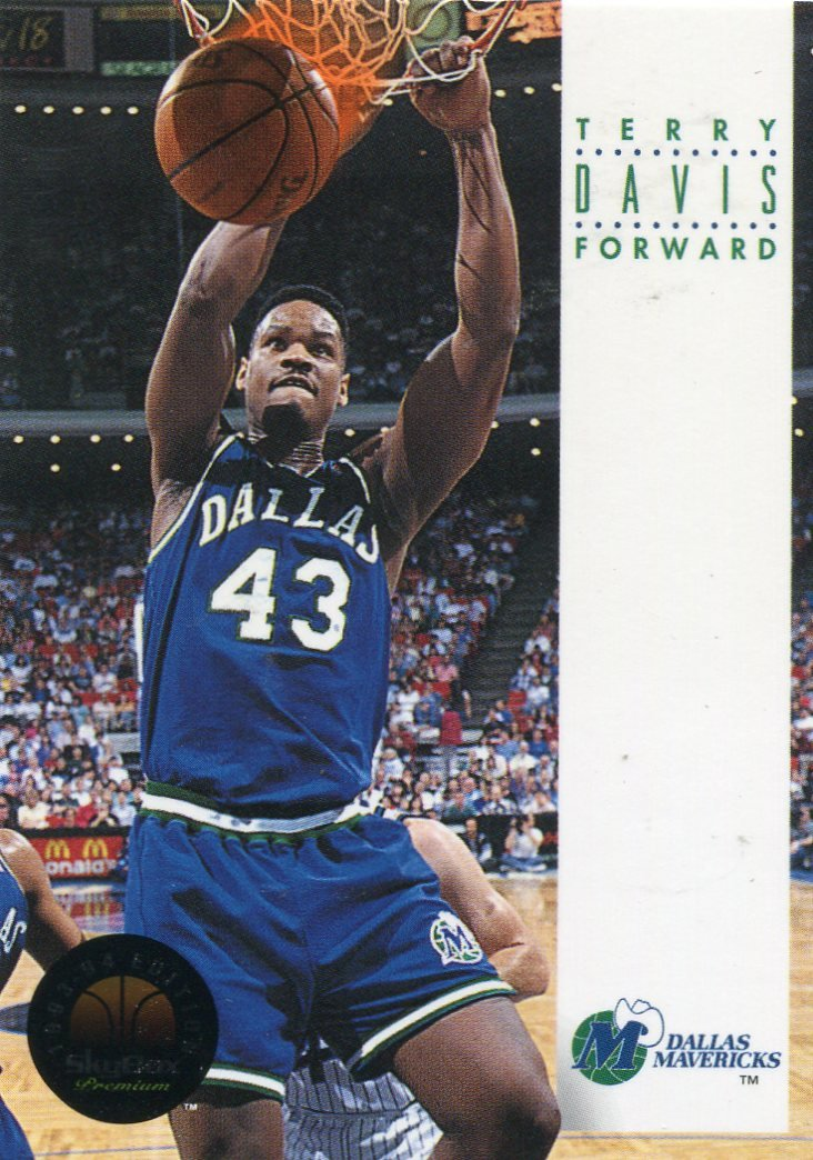 1993 Skybox Basketball Card #55 Terry Davis