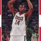 2007 Fleer Basketball Card #93 Desmond Mason