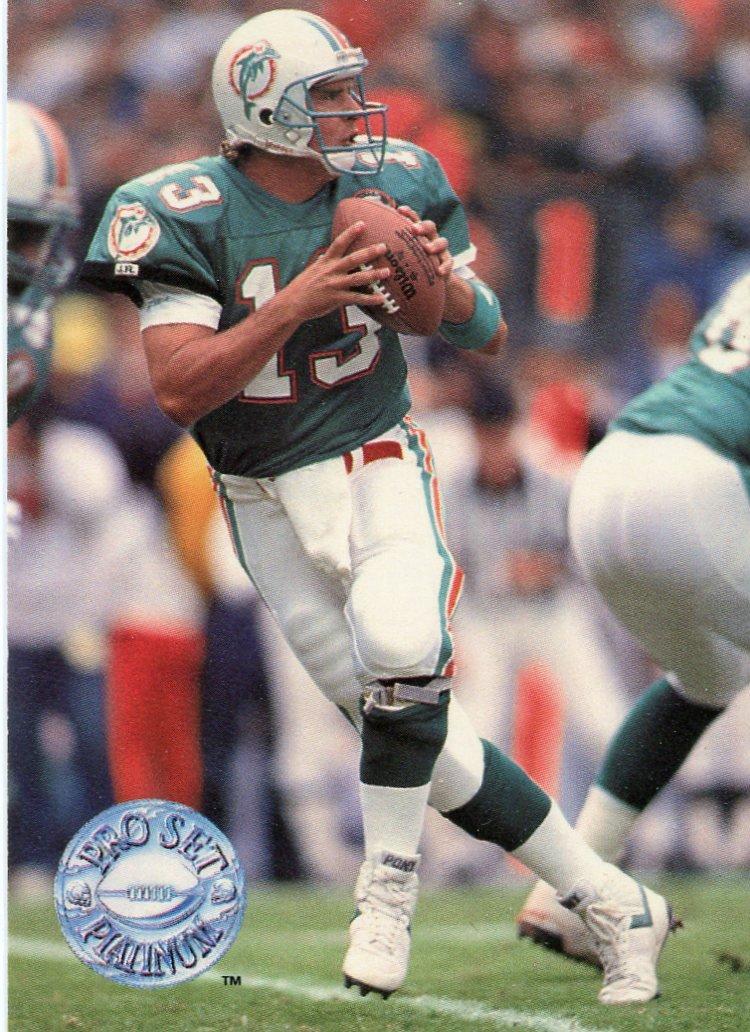 1991 Pro Set Platinum Football Card #62 Dan Marino