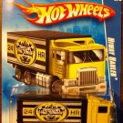 2009 Hot Wheels #114 Hiway Hauler YELLOW