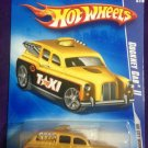 2009 Hot Wheels #112 Cockney Cab II GOLD