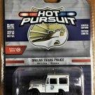 Greenlight Toys Hot Pursuit #42860B 1977 Jeep DJ-5