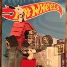 2020 Hot Wheels #14 Snoopy