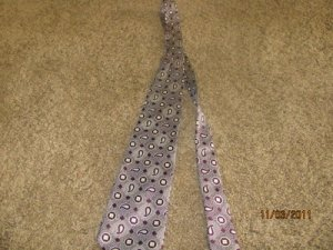 Men's Tie Nordstrom Burgandy and Cream 100% Silk VERY HANDSOME!