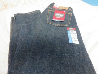 LEVI SIGNATURE JeAns Relaxed Fit 32 x 34 Straight Leg NWT