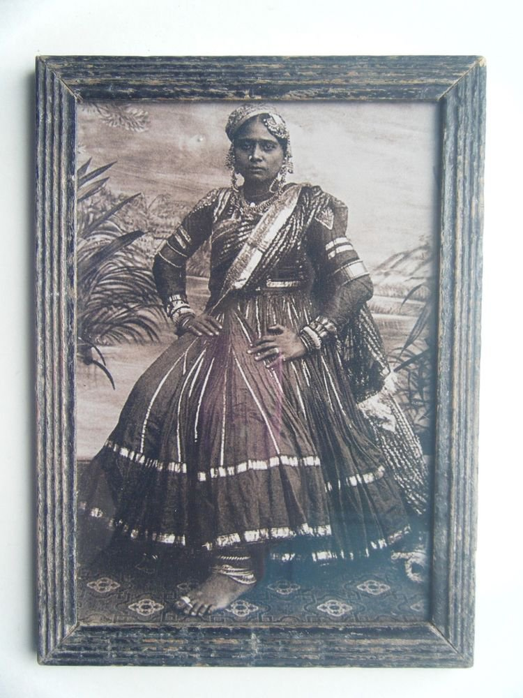Indian Tribal Woman Rare Photograph, Vintage Photo in Old Wooden Frame #2734