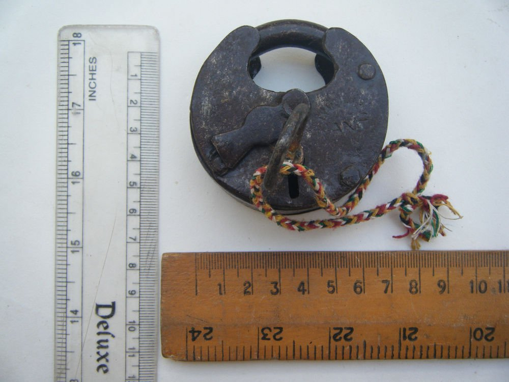 Original Old Iron Lock Antique Handmade Heavy Pad Lock Rare India Working #1538