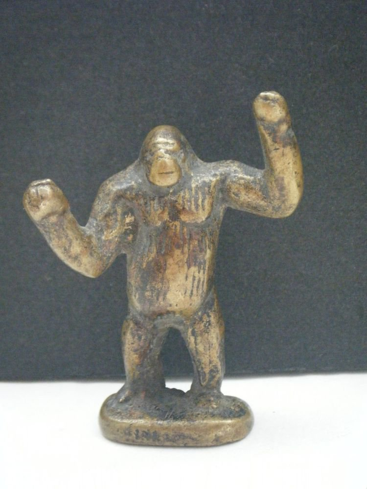 Gorilla Playing Toy India Old Decorative Collectible Antique Home Brass #797
