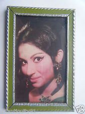 Bollywood Actress Heroin Collectible Old Print in Old Wooden Frame India #2747