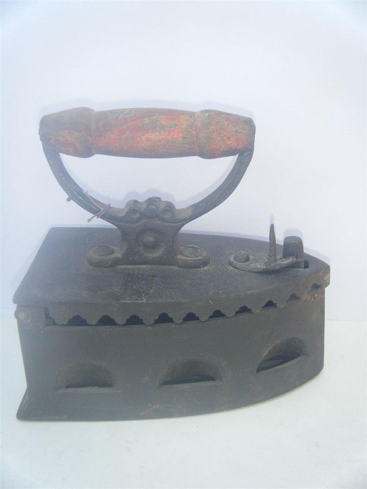 Antique Old Metal Cast Iron Wood Handled Decorative Sadiron Clothing Press #1119