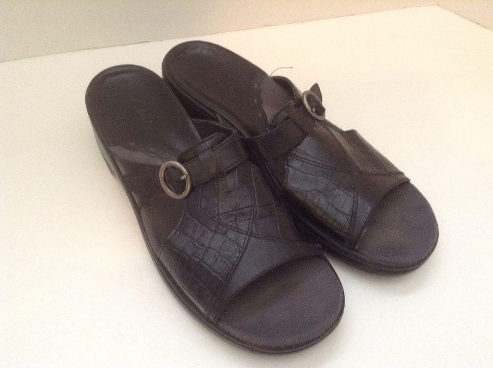 Clark's Women's Black Leather Sandals Slides Slip On Buckle 8M