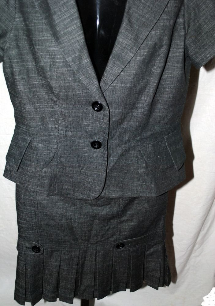AGB Gray  2 Piece Matching Outfit Top And Pleated Skirt Set Sz 8