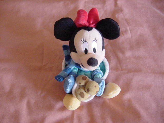 Disney Minnie Mouse with Cookies Stuffed Plush Beanie