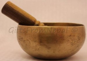 "5.5"" Hand Beaten Singing Bowl, Made of 7 metals, FREE cushion, Retails-$70"