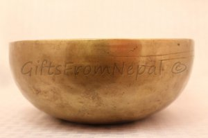 "9"" Hand Hammered Singing Bowl,  Made of 7 metals, FREE cushion,Retails- $150"