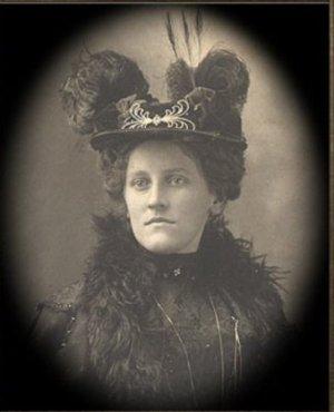 Aunt Tilly changing portrait