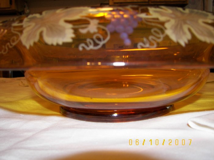 Gorgeous amber bowl with etching