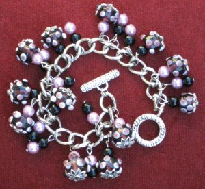 Gorgeous Glass Beaded Bracelet in Pink & Black