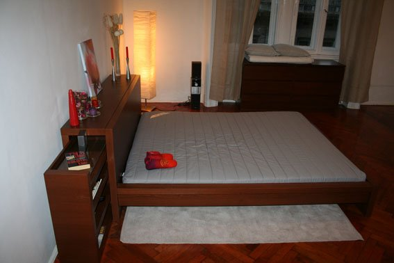 Apt - 01 / SINGLE Room / BEDROOM / Booking for 1 Night /