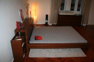 Apt - 01 / SINGLE Room / BEDROOM / Booking for 1 Night /