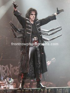 "Alice Cooper with Spider Legs 8""x10"" Color Concert Photo"