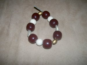 Dark red and white bead bracelet