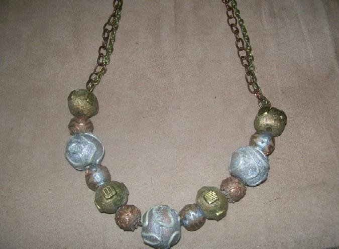 Metal Bauble Necklace