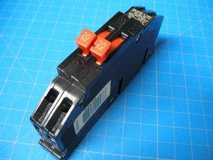 20 AMP T&B Thomas & Betts Twin 2 Pole Breaker Type R-38 Same As Zinsco