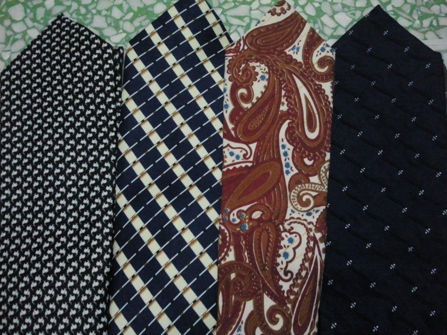 Mixed 4 Men's Classic Styles Designs Thai Handmade Neckties (*4 pieces in Limited Edition)