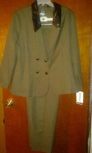 "Helene v pretty pants suit for women size 16  newt chest 46"" waist 42"" hip"